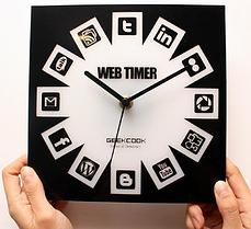 social media clock design resized 600