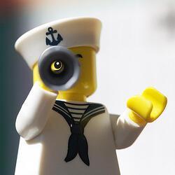 lego-binoculars-medium_5696097036