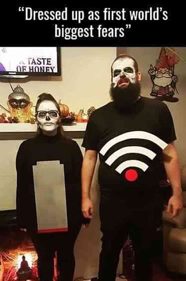 Low Battery and WiFi Halloween costume