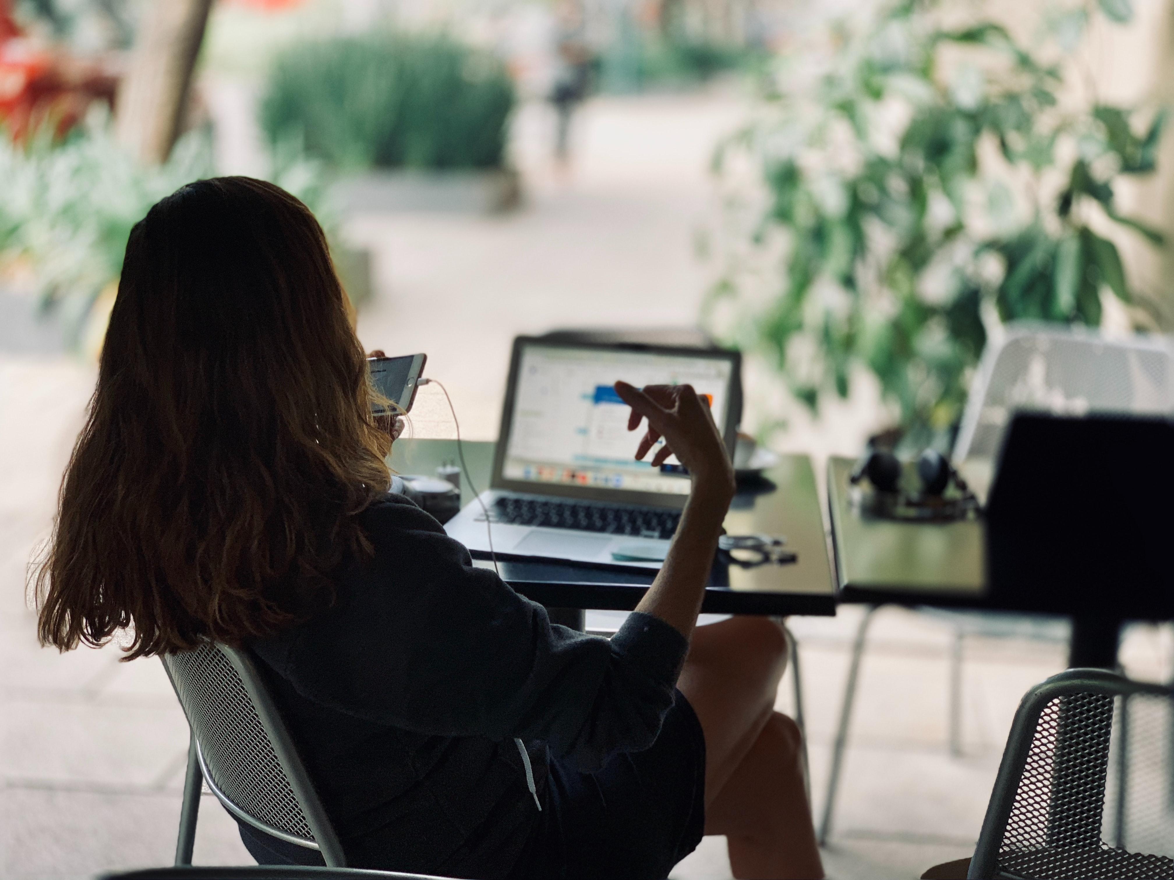 will-digital-marketing-replace-traditional-marketing-digital-life